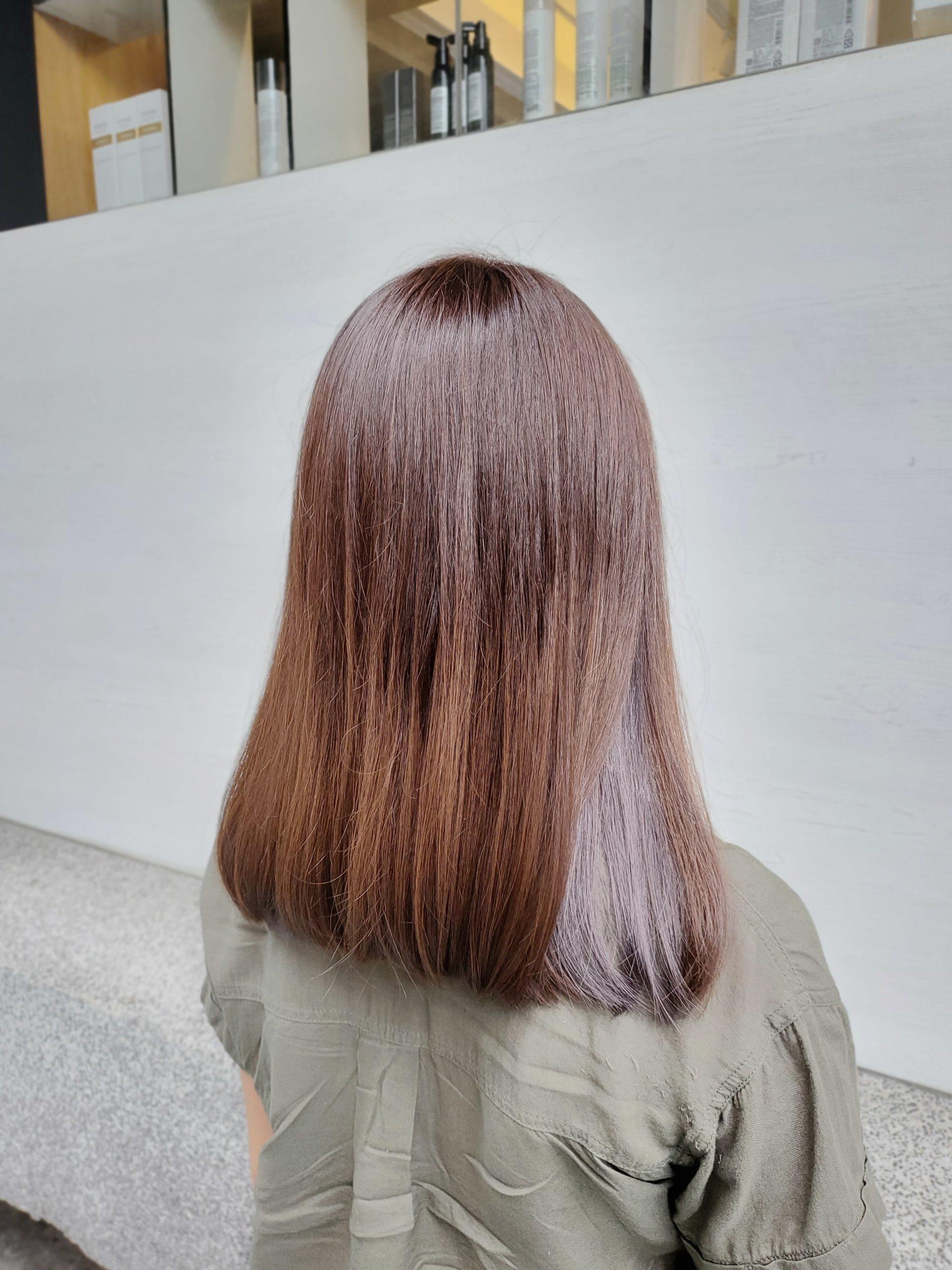 2021年「隱藏式挑染」流行髮色 染髮也能低調又時尚